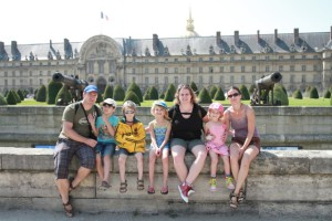 Family_holiday_in_Paris